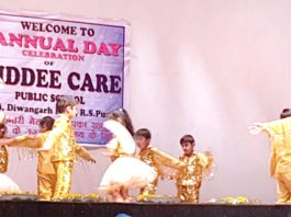Children in colourful attires presenting cultural item while celebrating Annual Day at Teacher Bhawan, Gandhi Nagar in Jammu on Tuesday.