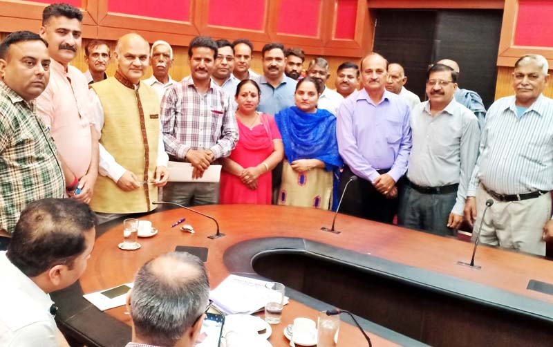 All Jammu Kashmir Panchayat Conference delegation during a meeting with K.K Sharma, Advisor to the Governor.