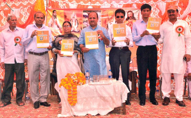 Chief guest and guests of honour during celebrations of 446th Prakash Divas of Guru Nabha Dass Ji at Jammu.