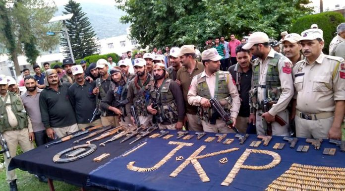 Arms and ammunition recovered by police in Rajouri on Wednesday. -Excelsior/Gafoor Bhat