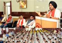 CEO, SMVDSB, Simrandeep Singh addressing students at SMVD Gurukul.