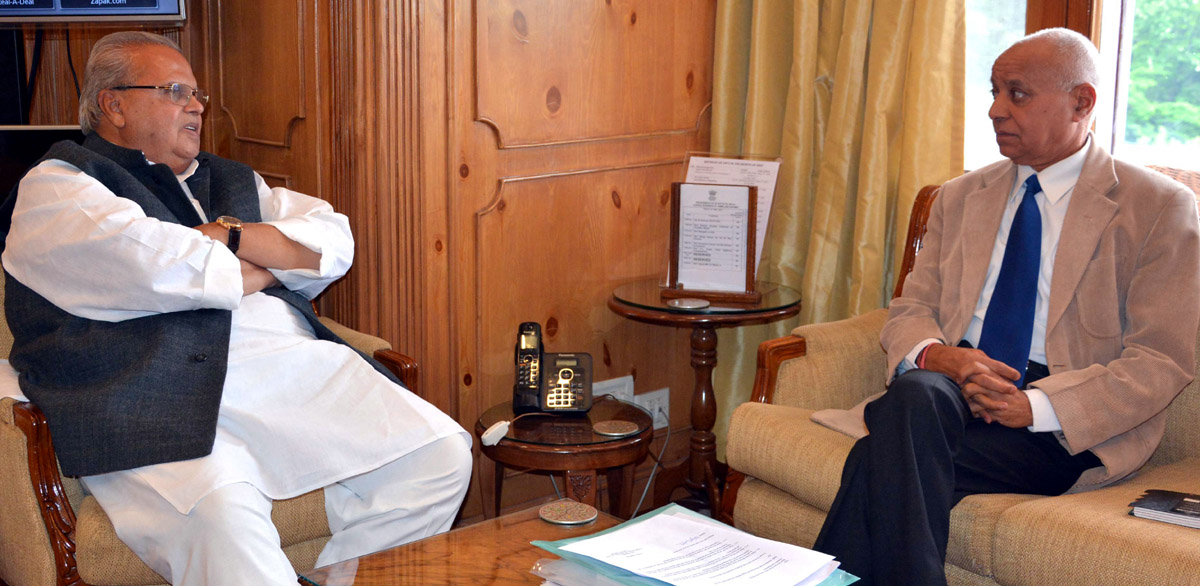 Governor Satya Pal Malik meeting Chief Vigilance Commissioner, P L Gupta on Friday.
