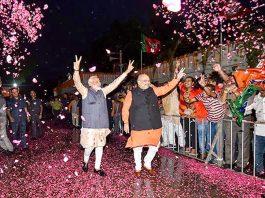 Prime Minister Narendra Modi and BJP president Amit Shah arrive at BJP's New Delhi headquarters on Thursday. (UNI)