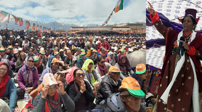 Defence Minister Nirmala Sitharaman addressing a massive election rally at Polo Ground, Leh on Saturday. —Excelsior/Morup Stanzin