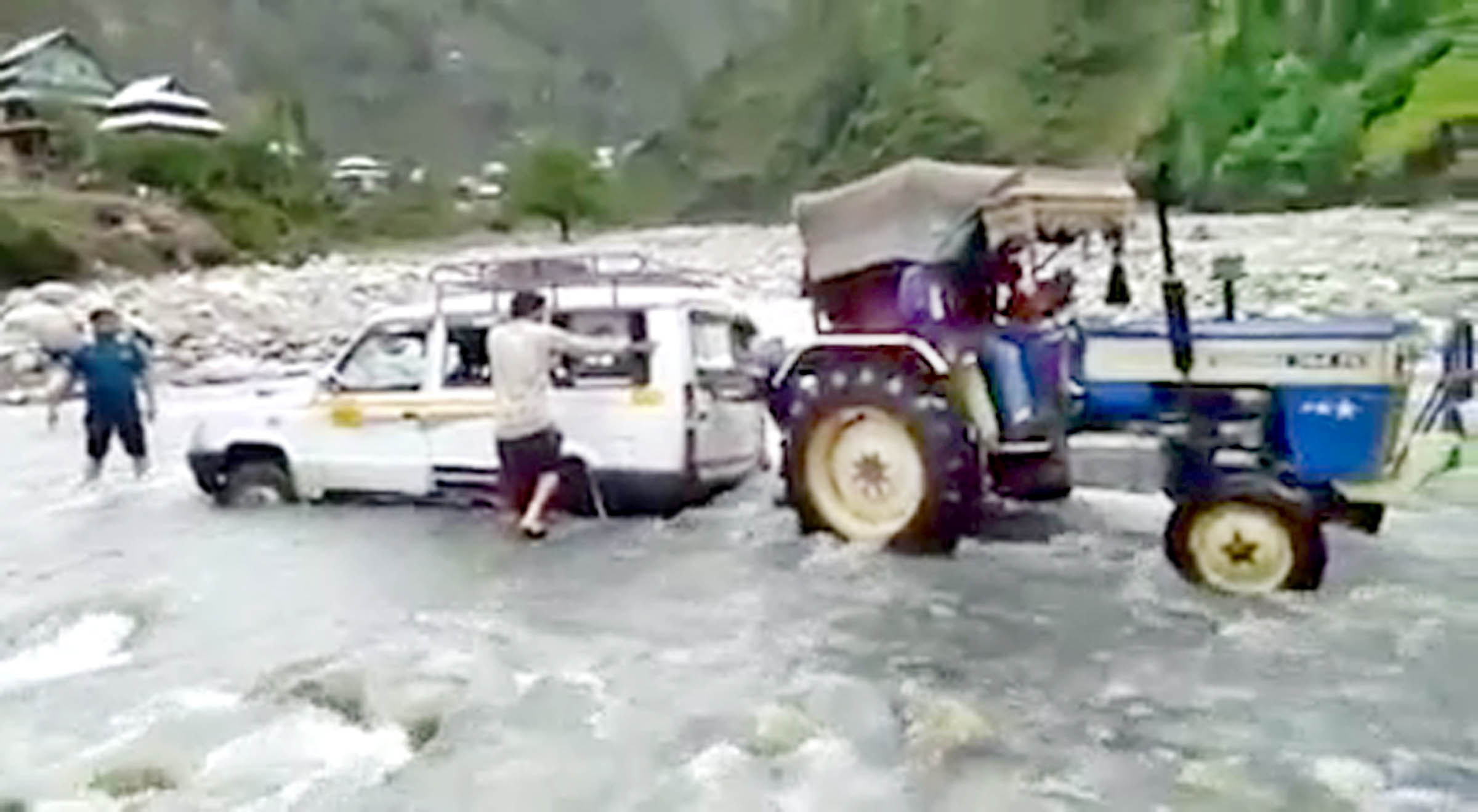 A tractor trying to pull out a Tata Sumo struck in Shadole nallah in Tehsil Mahore of Reasi district.
