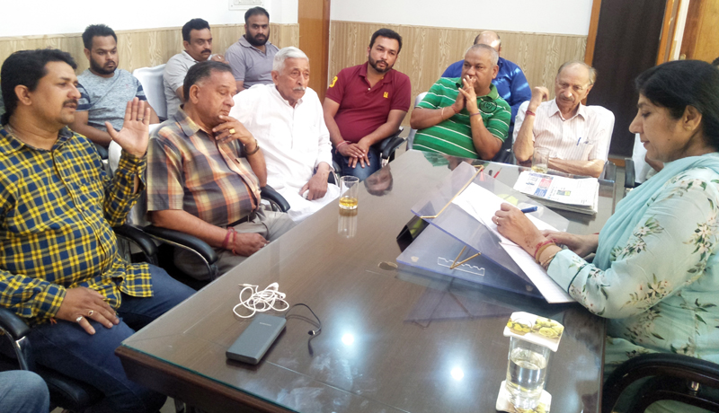 A delegation of representatives from prominent market Associations during a meeting with Purnima Sharma, Deputy Mayor, JMC on Wednesday.