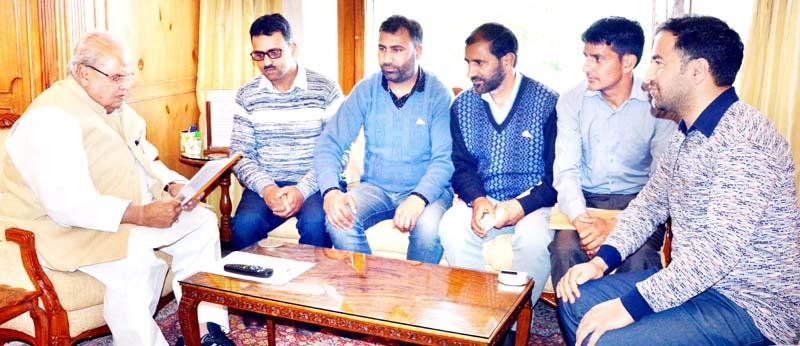 Governor Satya Pal Malik meeting delegation of Hospital Development Fund employees on Monday.
