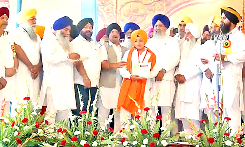 A contestant 'Gursikh Pyara' being felicitated during a religious function held in Jammu to commemorate birth anniversary of Guru Nanak Dev Ji on Saturday.