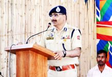 DGP Dilbag Singh addressing jawans and officers at Poonch.