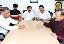 President Bar Association Jammu, Abhinav Sharma discussing JK Bank PO aspirants issue with Union Minister, Dr Jitendra Singh at Jammu on Monday. -Excelsior/Rakesh