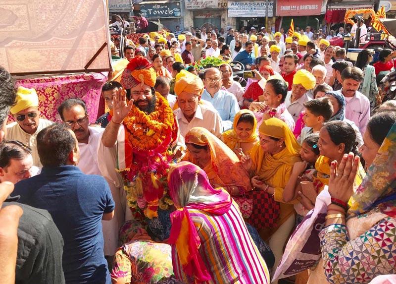 Grand Shobha Yatra on Parshuram Jayanti being taken out by Brahman Sabha Jammu on Saturday. —Excelsior/Rakesh