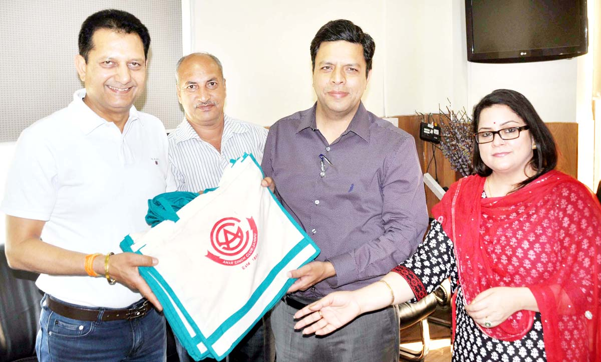 Divisional Commissioner Sanjeev Verma releasing handloom bag on Thursday.