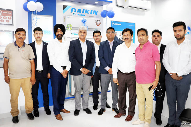 Dignitaries during inauguration of Daikin showroom at Jammu.