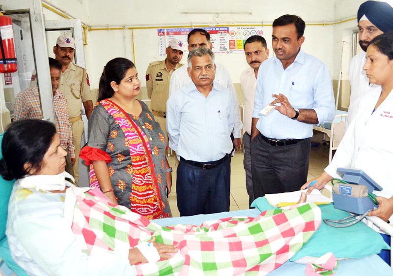 Deputy Commissioner Jammu, Ramesh Kumar during visit to Government Hospital Gandhi Nagar on Wednesday.