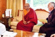 Governor Satya Pal Malik meeting with LAHDC Kargil delegation at Srinagar.