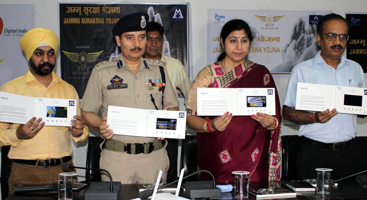 Deputy Mayor JMC, Purnima Sharma along with officers launching Jammu Suraksha Yojna at Jammu on Thursday. -Excelsior/Rakesh