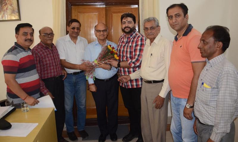 A delegation of Sudhmahadev Chhari Yatra Aayojan Samiti meeting K.K Sharma, Advisor to the Governor at Jammu on Tuesday.