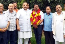 Senior NC leaders welcoming Rajiv Mahajan into party fold on Monday.