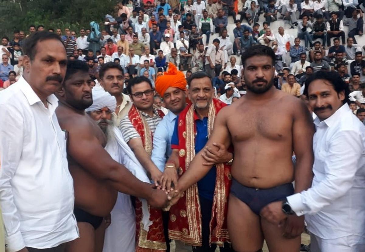 Wrestler Rameshwar of Mathura in UP receives 56th Annual Aghar Jitto Kesari Dangal title in Reasi.