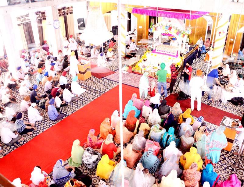 Parkash Purav of Guru Hargobind Singh Ji being celebrated at Gurdwara Chhati Patshahi, Talli Sahib in Jammu on Tuesday. -Excelsior/Rakesh