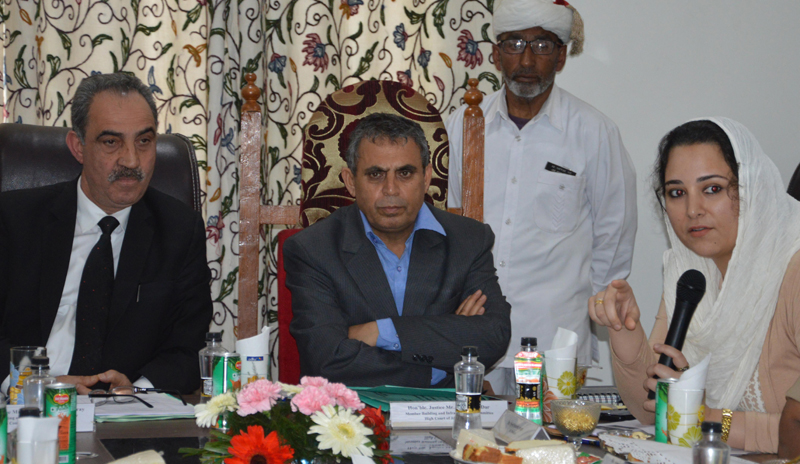 Justice Ali Mohammad Magray and Justice Rashid Ali Dar interacting with members of Bar Association on Wednesday.
