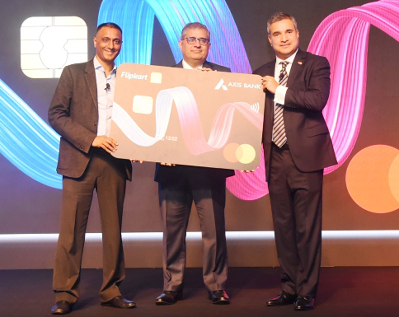 Officials of Flipkart, Axis Bank and Mastercard launching co-branded credit card.