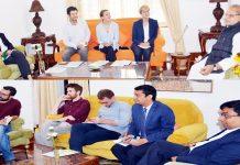 Governor Satya Pal Malik meeting with delegation of foreign media at Srinagar.