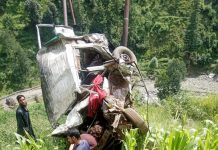 Ill-fated vehicle after accident near Bijnoai area of Senabati in tehsil Ukhral, district Ramban. —Excelsior/Parvaiz