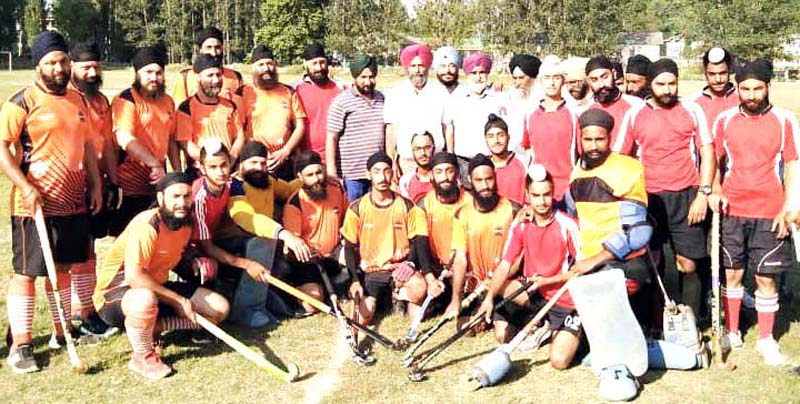 Badal Club and Singhpora Sports Club teams posing with special guest at Baramulla in Kashmir.