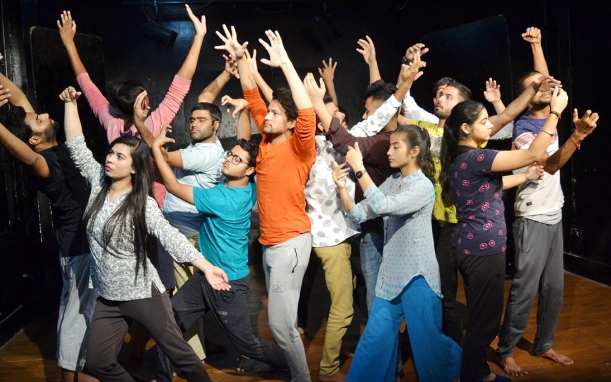 Young actors during Workshop at Natrang Studio Theatre.