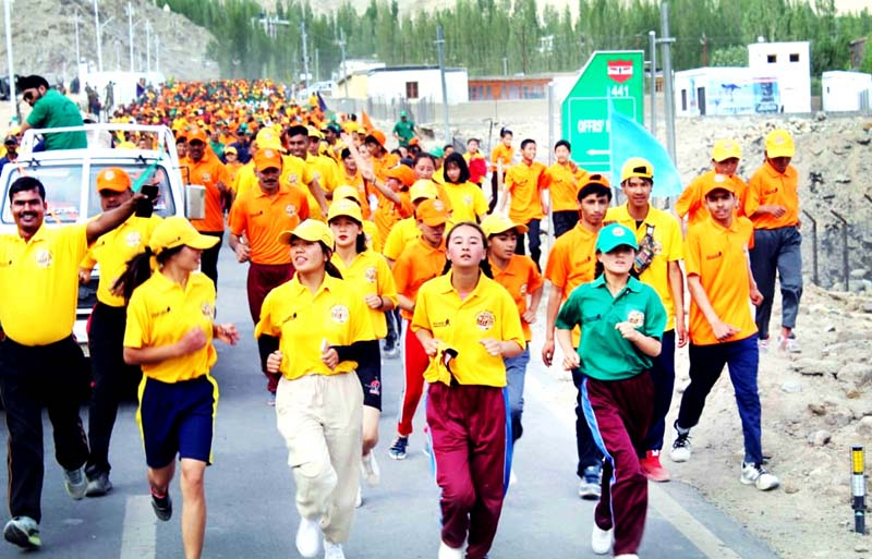 People sweating-it-out during run for fun 'Ek Daud Shaheedon Ke Naam' at Leh.