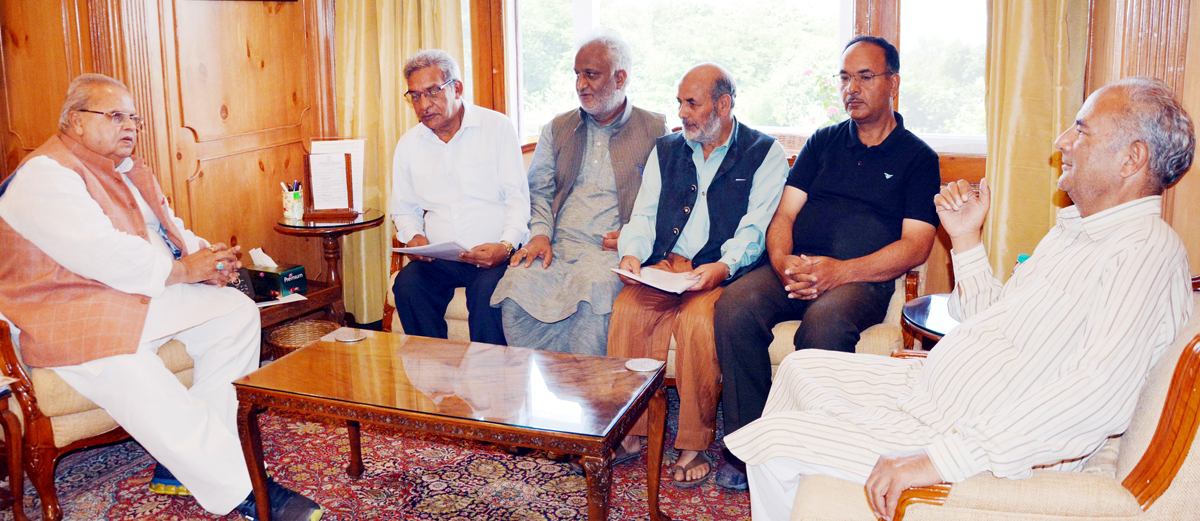 Governor Satya Pal Malik meeting delegation of Kashmir Traders and Manufacturers Federation on Saturday.