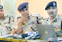DGP Dilbag Singh launching website of Kashmir Zone Police at PCR Srinagar on Saturday. -Excelsior/Shakeel