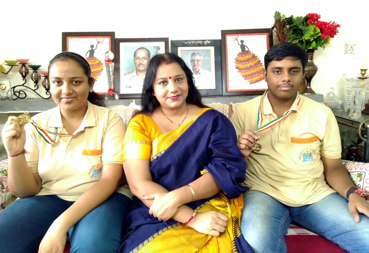 Twins-Swapnila Acharya and Swapnil Acharya along with their mother Samrishtha Acharya.
