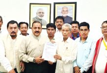 Union DoNER Minister Dr Jitendra Singh receiving a memorandum from a delegation led by Tripura State Ministers, at New Delhi on Monday.