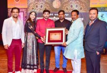 Tarun Uppal, a social activist and son of the soil, being conferred Maharashtra Ratangaurav Puraskar – the best Youth Icon Award, 2019 at a function held at Lokshahir Annabhau Sathe Sanskrutik Kala Rangmandir, Pune for his excellence in the field of social work and youth empowerment. The award ceremony was organised by Vishal Gore, Founder Shalini Foundation in collaboration with Human Rights Council of India.