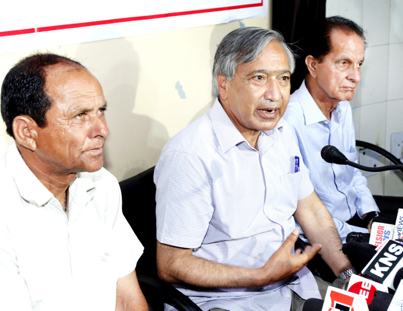 CPI(M) leader MY Tarigami addressing press conference in Jammu on Monday. -Excelsior/Rakesh