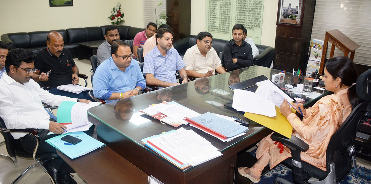 Deputy Commissioner Jammu, Sushma Chauhan chairing a meeting on Wednesday.