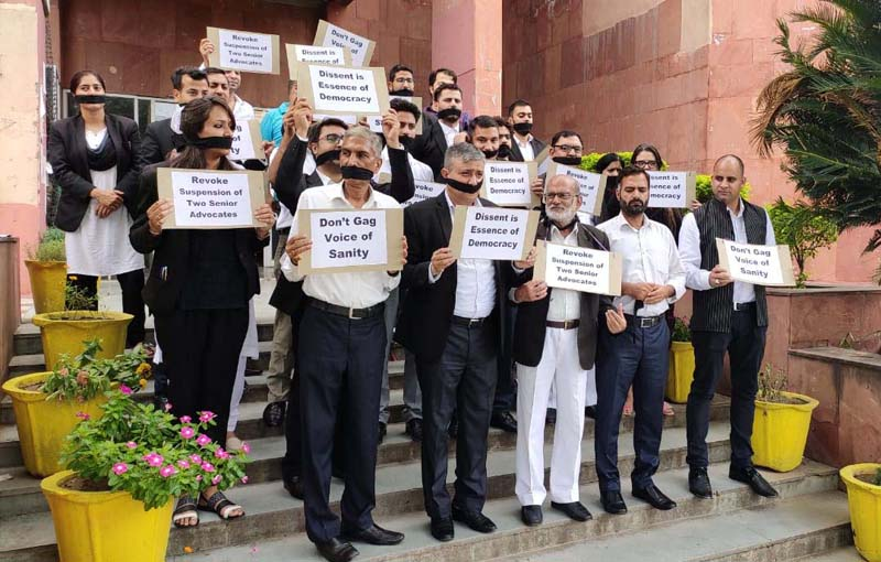 Members of HC Bar Association Jammu protesting over suspension of two senior Advocates on Saturday. —Excelsior/Rakesh