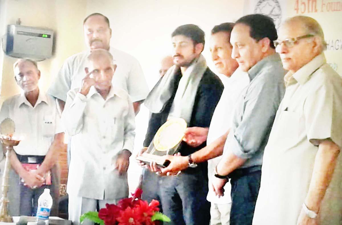 Dignitaries honouring Tarun Uppal during special literary function organized by Adbi Kunj at Jammu.