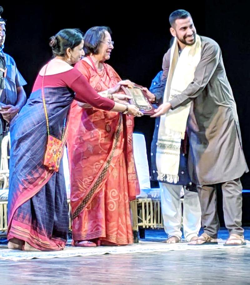 Natrang artist Sunil Palwal being conferred Ustad Bismillah Khan Yuva Sangeet Natak Akademi Award at Imphal.