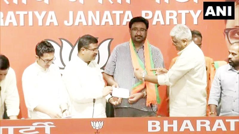 People's Democratic Party (PDP) leader Haji Anayat Ali joining Bharatiya Janata Party (BJP) in presence of Union Ministers Dharmendra Pradhan and Gajendra Singh Shekhawat in New Delhi on Monday.