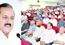 Union Minister, Dr Jitendra Singh addressing citizens' meet at Jammu on Sunday. —Excelsior/Rakesh
