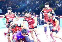 Players in action during Dabang Delhi and Bengaluru Bulls match of Pro Kabaddi League.