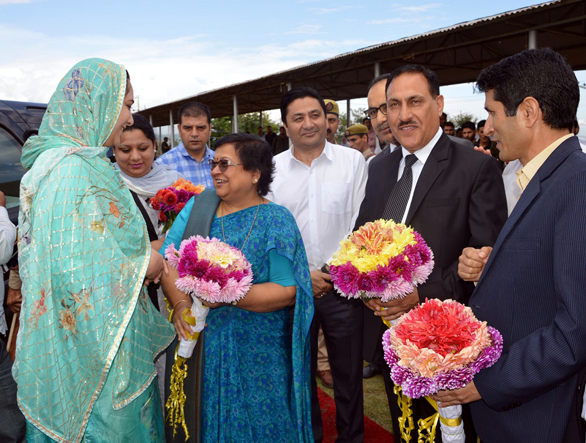 Chief Justice Geeta Mital and other dignitaries felicitating winners of Women Marathon in Budgam.