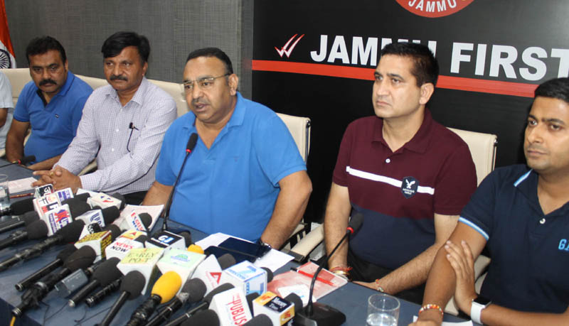 JCCI president Rakesh Gupta addressing a press conference in Jammu on Thursday. —Excelsior/Rakesh