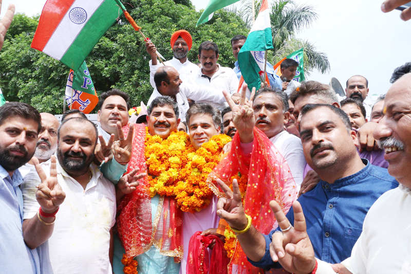 MP, Jugal Kishore Sharma being received by jubiliant partymen on his arrival to Jammu on Sunday.