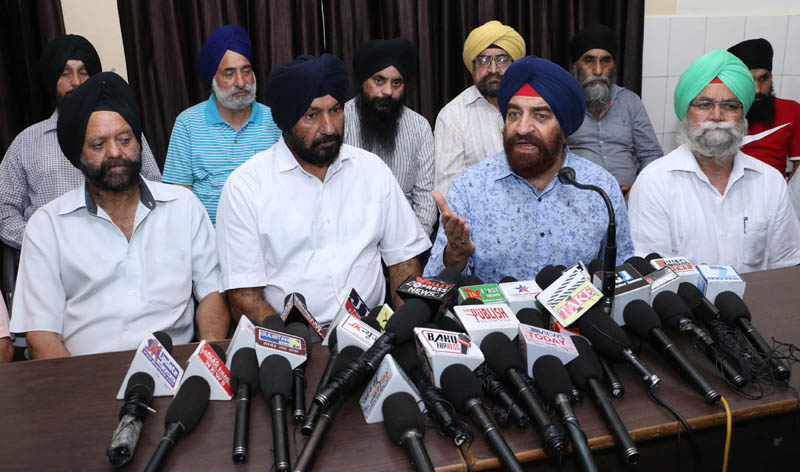 Sikh United Front chairman, S S Wazir addressing a press conference in Jammu on Tuesday. —Excelsior/Rakesh