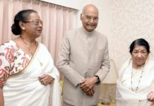President Ram Nath Kovind with wife Savita Kovind and Lata Mangeshkar at the veteran singer's residence in south Mumbai on Sunday.