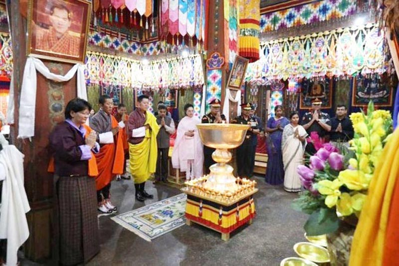 The King offered prayers and lit a thousand butter lamps at Simtokha Dzong.